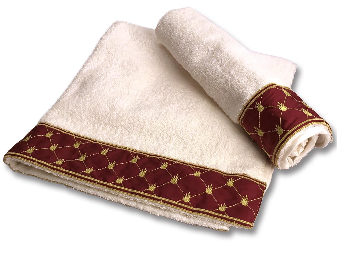 Set di asciugamani con bordo bordeaux